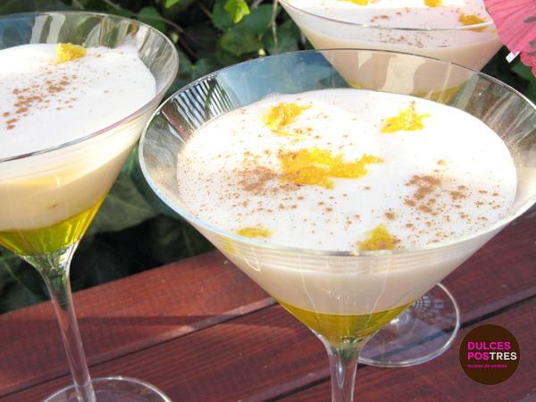 Arroz con leche cremoso con sirope de limón