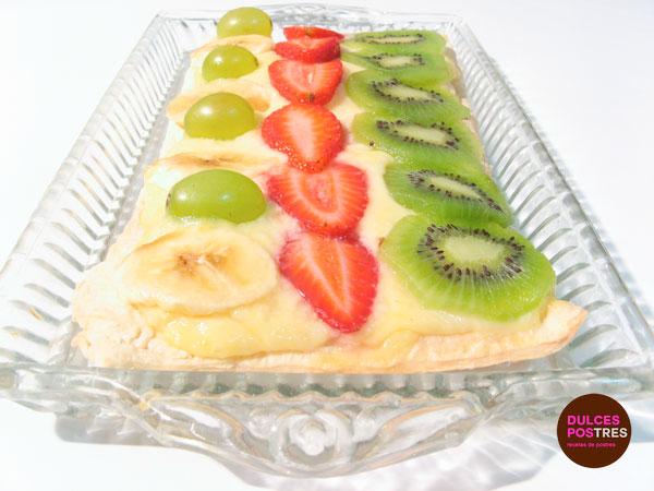 Hojaldre de frutas y crema