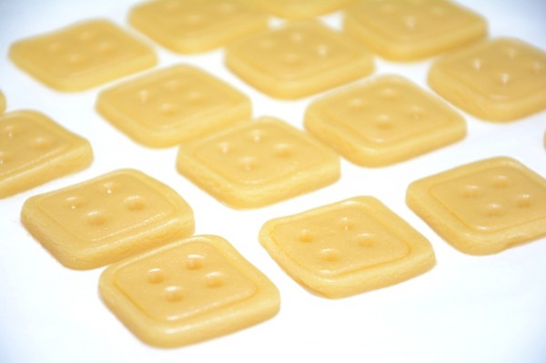 Galletas boton con crema de chocolate