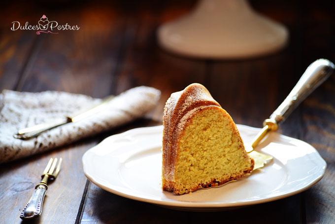 Detalle porción Bundt Cake de limón