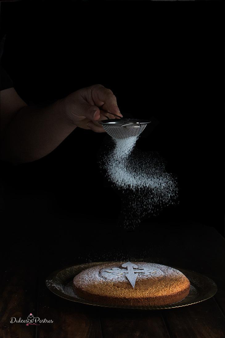 Espolvoreado de tarta de Santiago