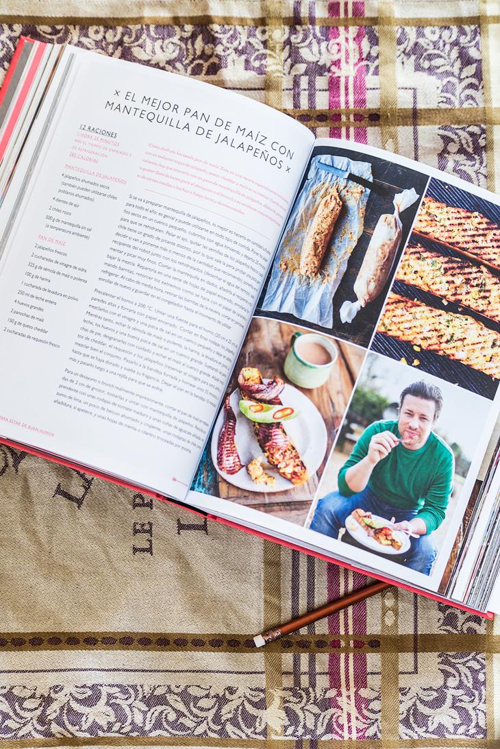 Interior del libro Jamie Oliver's Comfort Food