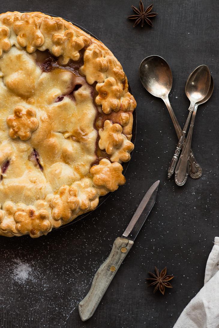 detalle de tarta de fresas con crema pastelera