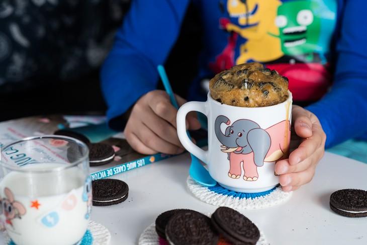 receta-mug-cake-de-oreo-1