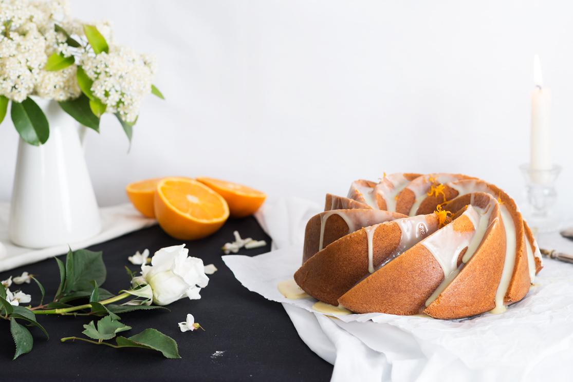 Receta de bundt cake de naranja y chocolate blanco