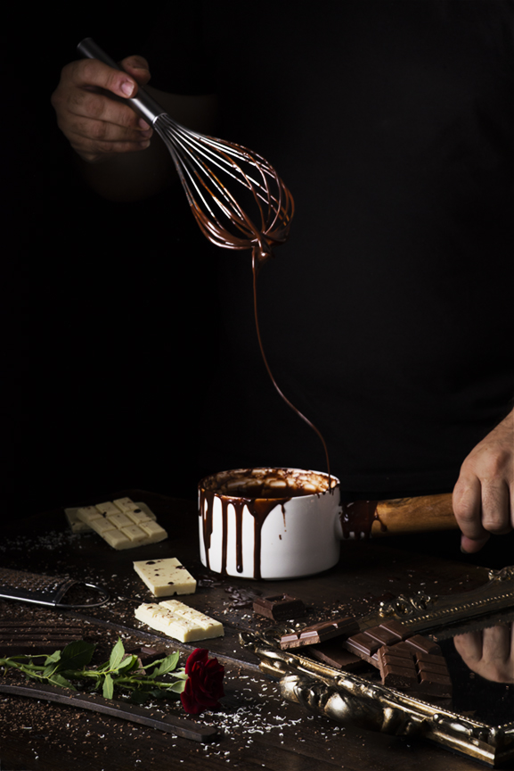 Chocolate para la tarta tres chocolates