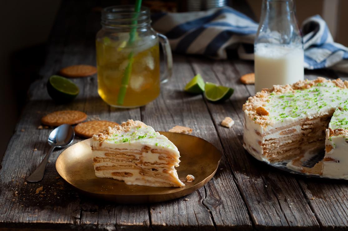 Tarta carlota de lim n fr a con galletas mar a dulcespostres for Postres caseros sencillos