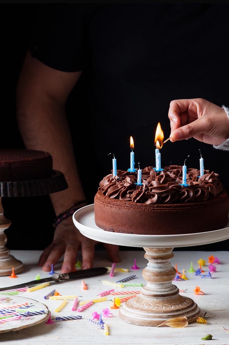 Tarta De Cumpleaños De Chocolate Receta Fácil De Dulcespostres Com